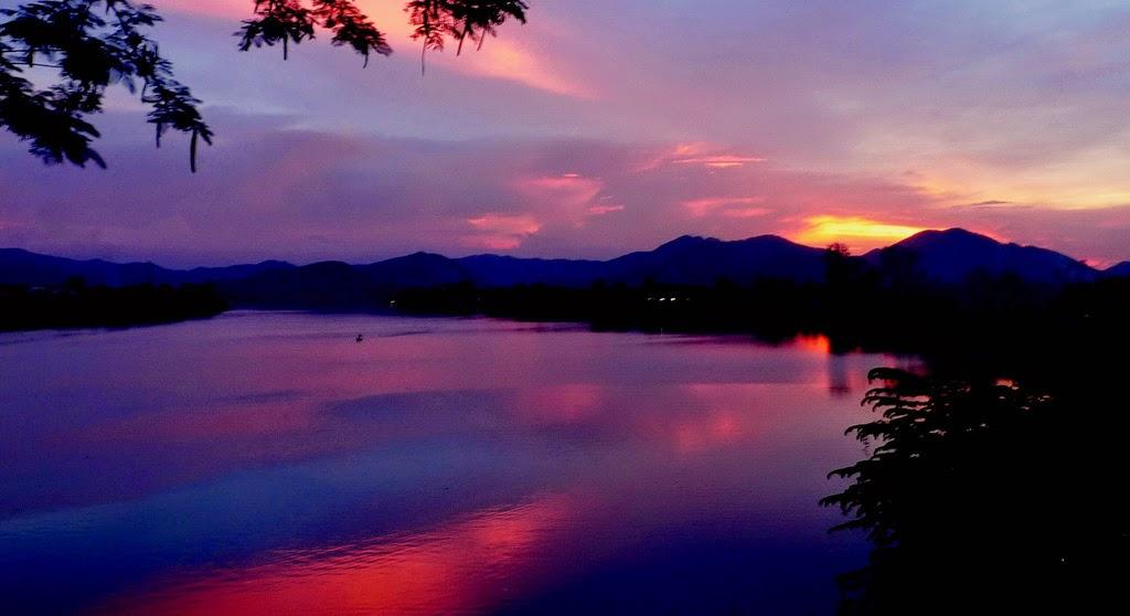 Sông Hương – núi Ngự
