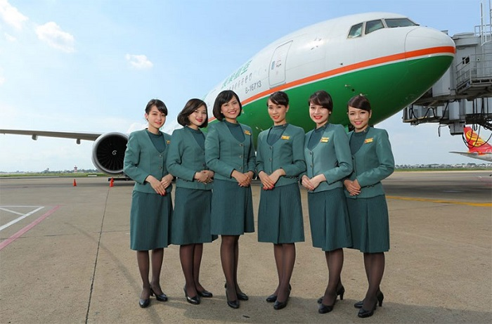 doi-ngu-tiep-vien-eva-air