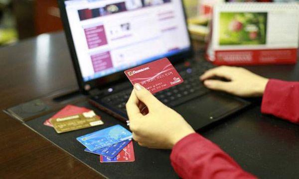 Tiền và thẻ tín dụng