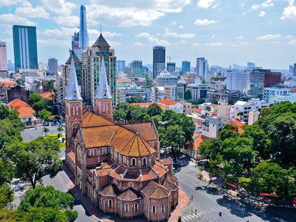Vé máy bay Jetstar Huế đi Sài Gòn giá rẻ chỉ từ 370.000 đồng/chiều