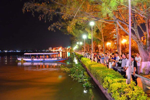Bến Ninh Kiều: