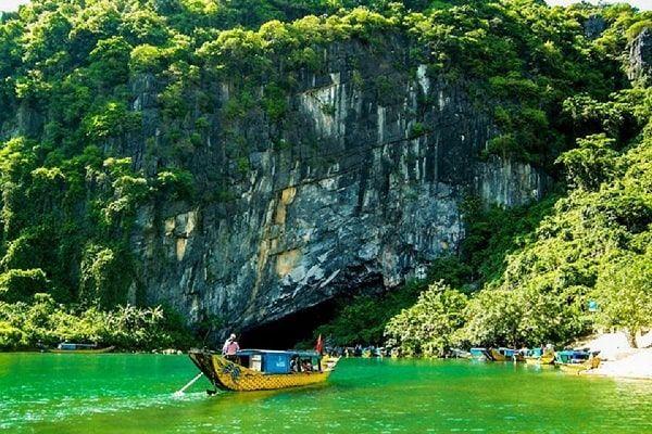 Thời gian bay từ Hà Nội đến Đồng Hới