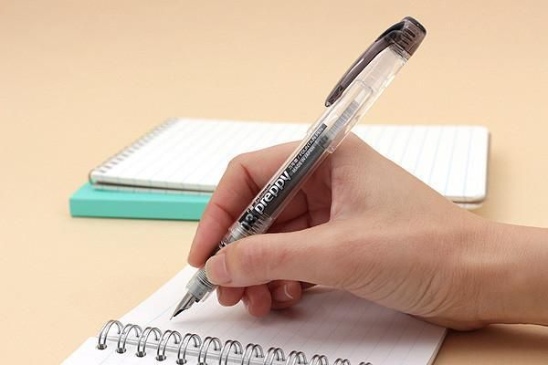 Notebook, bút viết: