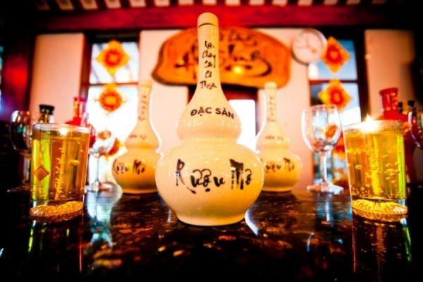 Rượu mơ Yên Tử: